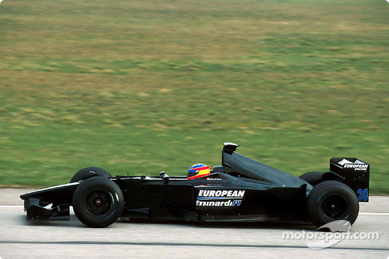 f1-minardi-ps01-launch-2001-shakedown.jp