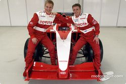 Mika Salo ve Allan McNish ve yeni Car