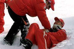 Rubinho y Schumi, como niños en la nieve