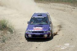 Ralph Kosmides et Joe Noyes dans une Subaru WRX