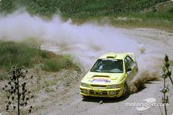 Paul Eklund et Scott Huhn dans une Subaru Impreza