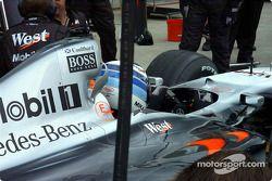 Pitstop antrenmanı, McLaren, but wrong, kask