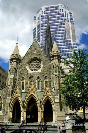 El centro de Montreal: lo viejo y lo nuevo en la Calle Ste. Catherine
