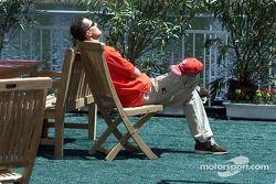 Relaxation under sun: Michael Schumacher