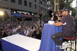 Saturday, BMW M night streets, Montreal: Juan Pablo Montoya