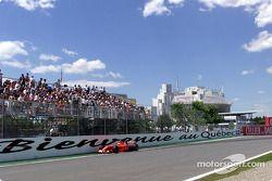 Rubens Barrichello really close to wall