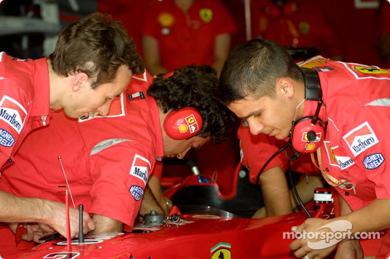 Ferrari preparing the spare car