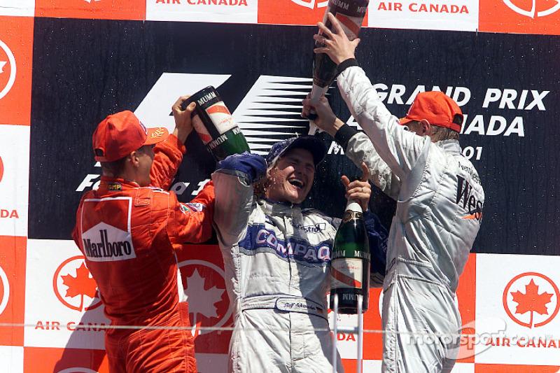 Em 2001, aconteceu a primeira dobradinha de irmãos na história da Fórmula 1. Ralf Schumacher venceu de Williams, à frente do irmão, Michael, da Ferrari