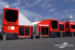 Visit, Ferrari media unit