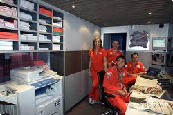 Visite de l'unité média Ferrari : personnel