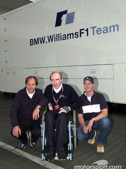 Ralf Schumacher, here ve Gerhard Berger ve Frank Williams, agrees a yeni contract ve BMW WilliamsF1