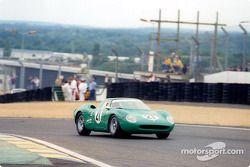 El ganador de la Leyenda Le Mans Legend: David Piper con su Ferrari 250LM