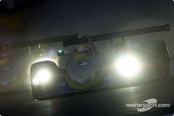 Ni Amorim maneja hacia la noche en Le Mans
