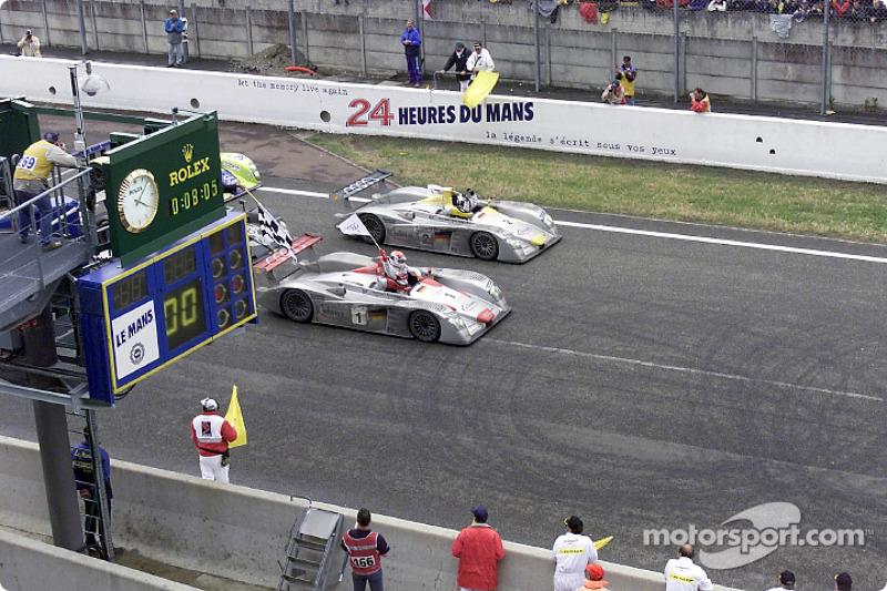 Audi celebra el doblete de 2001: Pirro en el #1 delante de Laurent Aiello