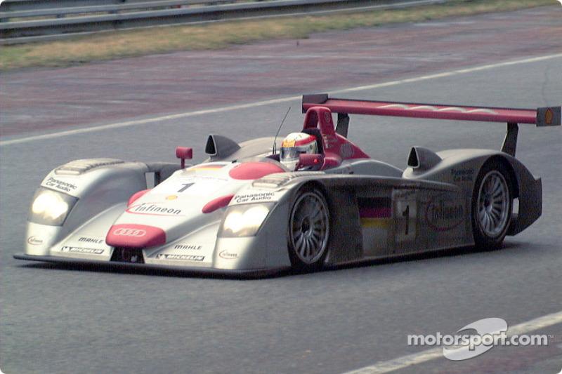 2001 - Audi R8 : Frank Biela, Tom Kristensen, Emanuele Pirro