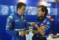 Jean Alesi y Alain Prost charlan