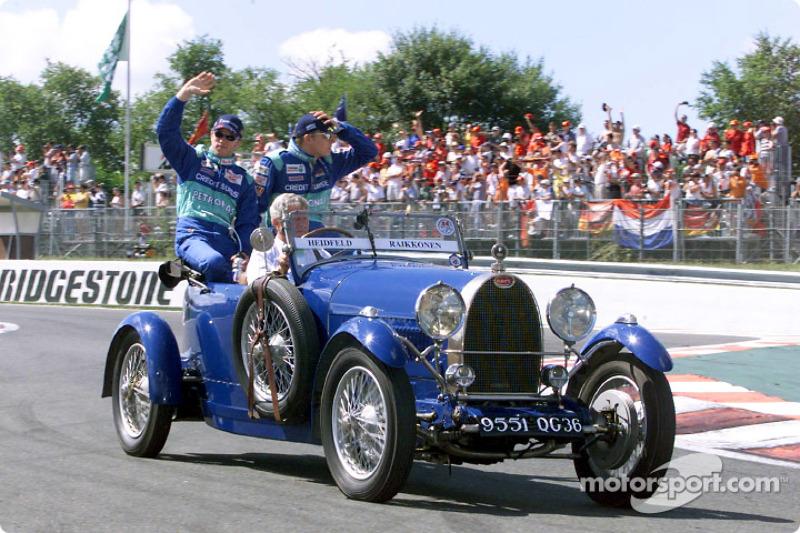 Drivers parade: Nick Heidfeld ve Kimi Raikkonen