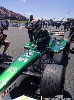 Eddie Irvine sur la grille