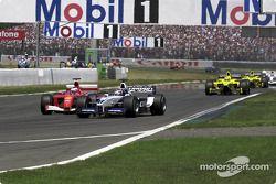 Curva de Adelaida en la primera vuelta: Rubens Barrichello y Juan Pablo Montoya