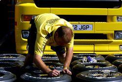 Preparación de llantas en Jordan