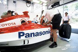 Dans le garage : Mika Salo