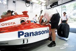 En el garage: Mika Salo