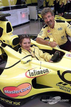 Eddie Jordan greets MasterCard's 'Priceless Fan of Formula 1 in the UK', Anne Hughes of Essex