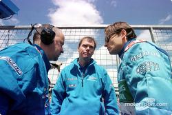 Mike Gascoyne y Giancarlo Fisichella