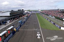 Jacques Villeneuve dans les stands