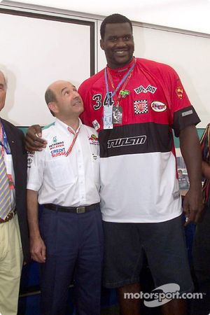 Peter Sauber con Shaquille O'Neal