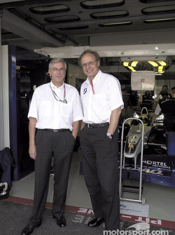 Antes del inicio: Profesor Joachim Milberg (Presidente del Consejo del Grupo BMW) y el Dr. Burkhard