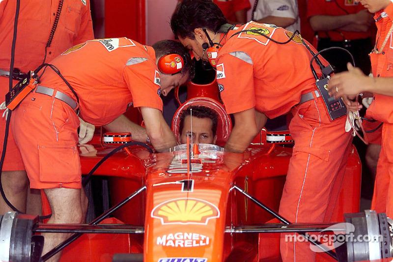 Um problema no câmbio de Schumacher foi o culpado pela batida. Tanto ele quanto Burti se aproveitaram da bandeira vermelha e participaram da segunda largada da prova com seus carros reservas.