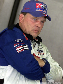 Jimmy Spencer se quedó con la pole position para las Brickyard 400