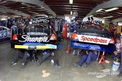 Les Ford de Kurt Busch et Jeremy Mayfield partagent le garage à Watkins Glen
