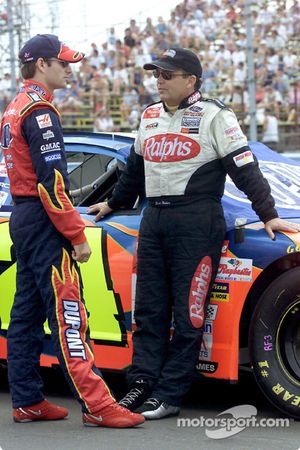 Jeff Gordon chats with Brett Bodine