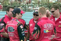 Jeff Gordon con equipo