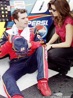 Jeff Gordon y su esposa