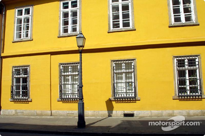Color en Uri utca