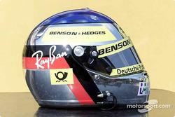 El casco de Jean Alesi con los colores de Jordan