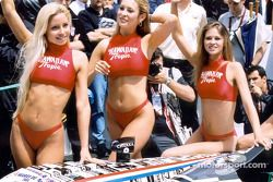 Hawaiian Tropic girls