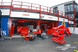 El área de pits del Equipo Ferrari