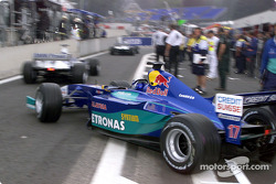 Kimi Räikkönen quitte les stands