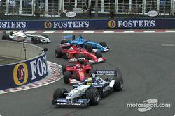 Premier départ : Ralf Schumacher leading Michael Schumacher, Rubens Barrichello, Giancarlo Fisichella et Jacques Villeneuve