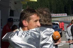 Bernd Schneider celebrando