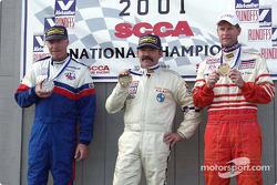Course 10, Touring 2 le podium: le Champion National Brian Kelm, le 2ème Rick Gilhart et le 3ème Don Mills