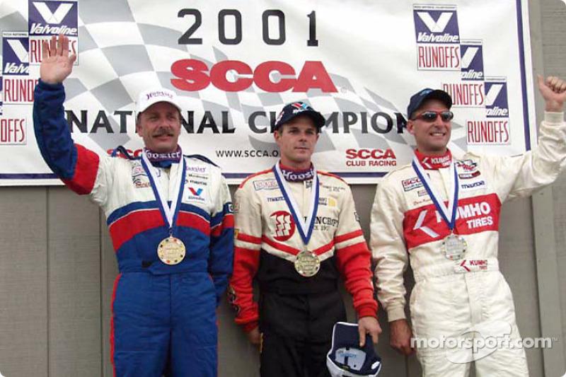 Course 13, Showroom Stock B le podium: le Champion National Randy Saucier, le 2ème David Roush et le