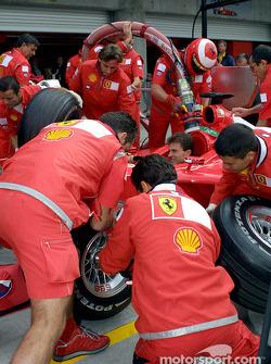 Simulations d'arrêts au stand chez Ferrari