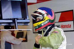 Jacques Villeneuve alistándose para la práctica