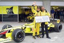 Jean Alesi celebrating his 200th Grand Prix with Eddie Jordan