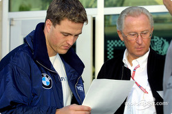 Ralf Schumacher and Professor Jürgen Hubbert from DaimlerChrysler